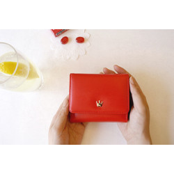 small crown wallet